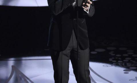 """Sam Smith interpreta la canción nominada al Oscar """"Writings on the Wall"""" de la película """"Spectre""""."""