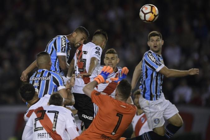 Gremio consigue un valioso triunfo ante River Plate - Radio Rumba ... 62f7529df1e92